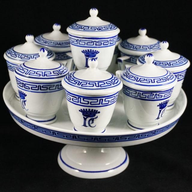 Crémiers plateau porcelaine Tournai empire grecque la Croix d'Ogimont