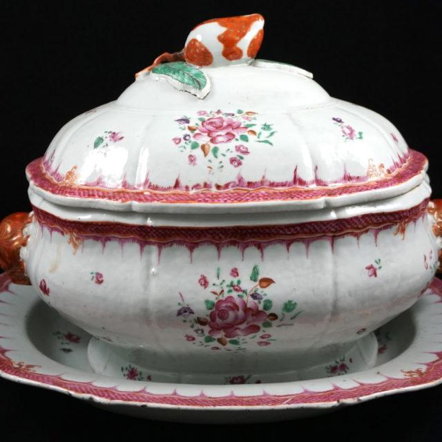 Terrine soupière porcelaine compagnie des Indes famille rose