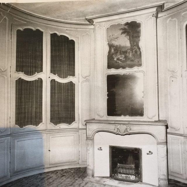 Boiserie époque Louis XV 18e bibliothèque cheminée