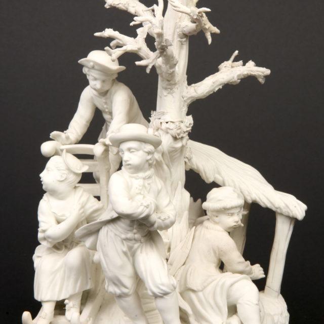 Groupe sculpture porcelaine biscuit Tournai hiver 18e