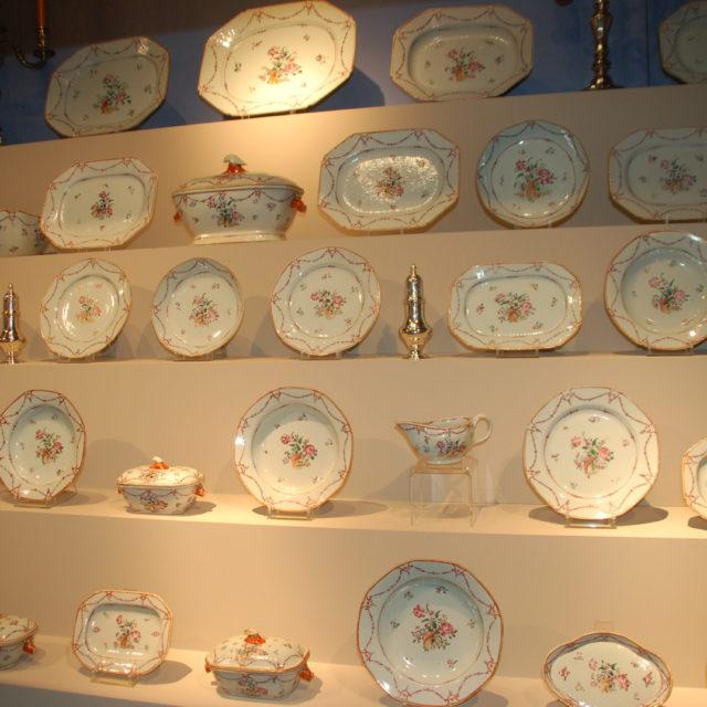 Service dîner porcelaine Compagnie des Indes famille rose 18e-1