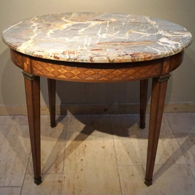 Table salon marqueterie Louis XVI marbre