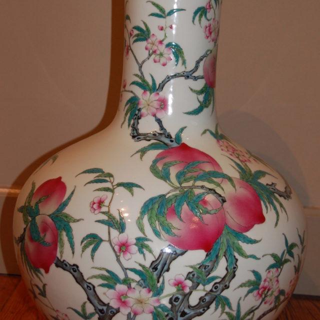 Vase porcelaine Chine décor pêches-1